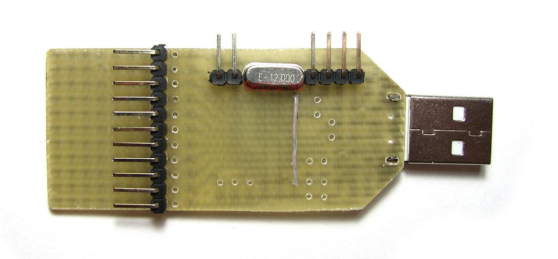 приведена на программатор attiny2313 схема. для встроенного отладчика, два гибких таймера/счетчика со схемами...